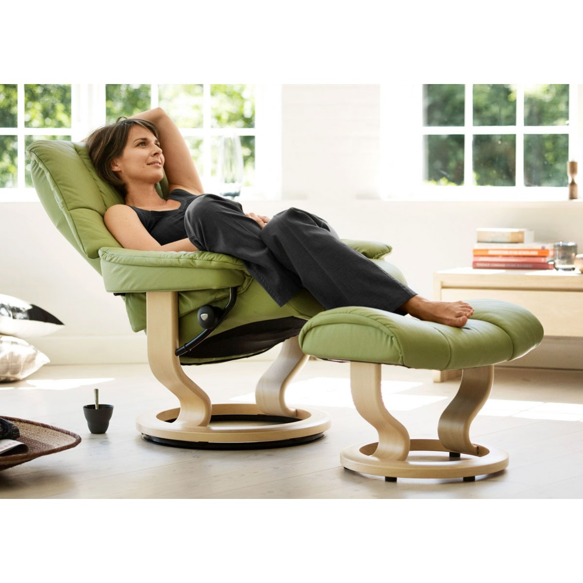 Stressless mayfair classic recliner ottoman from 2 195 for Stressless sessel modelle